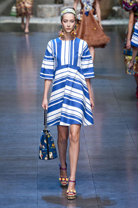 فستان كوكتيل اسود من الحرير والمخمل من بالينكياغا من 1962